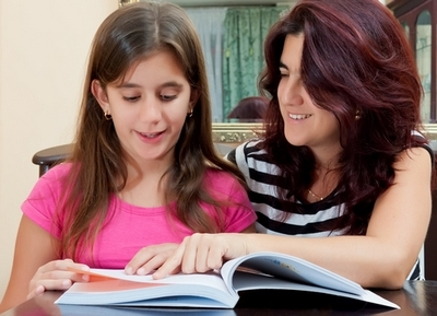 Native English female tutor is needed for Girl 9 and Girl 5 on Rublevka Ref. PTOSMOL014 - картинка 1